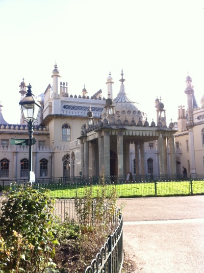 No trip to Brighton is complete without a tour of the Royal Pavilion. It's too bad I wasn't allowed to photograph the inside; the coolest thing was the dragon chandelier (look it up...seriously awesome).